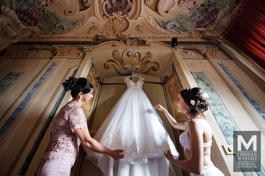 italian-luxury-villa-beautiful-wife-wedding-photographer
