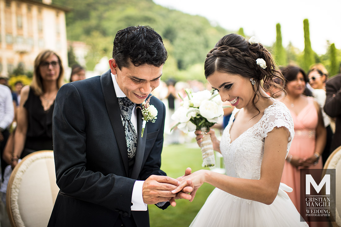 wedding-in-italy-civil-marriage-villa-canton-bergamo-rings-exchange