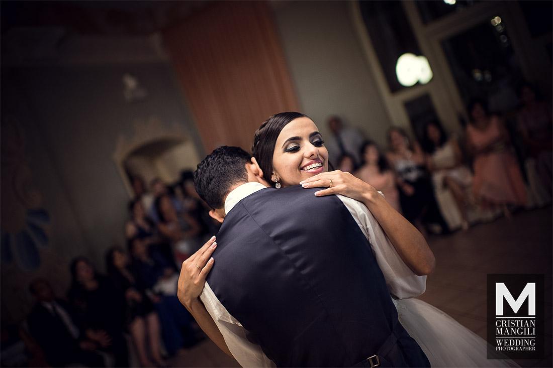 wife-and-groom-dancing-italian-luxury-wedding