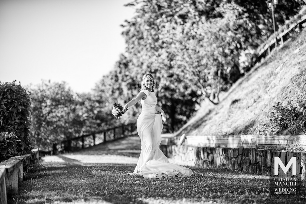 bride-in-the-park-italian-wedding-photo