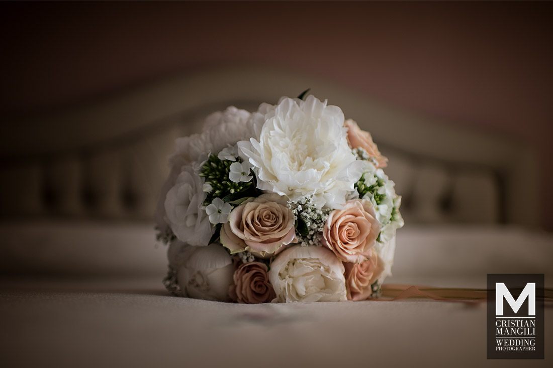 wedding-photo-bouquet