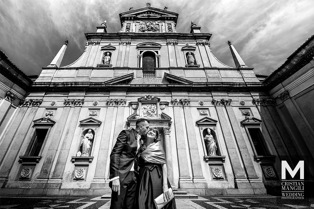 artistic-wedding-photography-church-italy