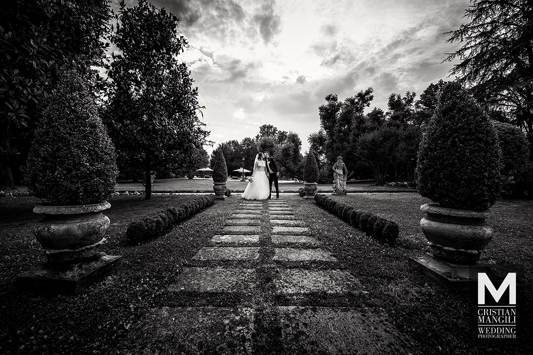 artistic-wedding-photography-italy-villa-mattioli