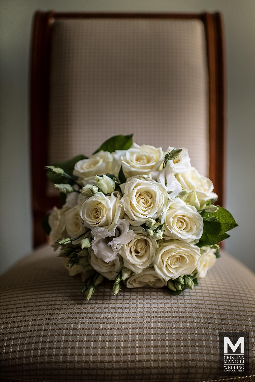 italian-wedding-photographer-lake-como-bouquet