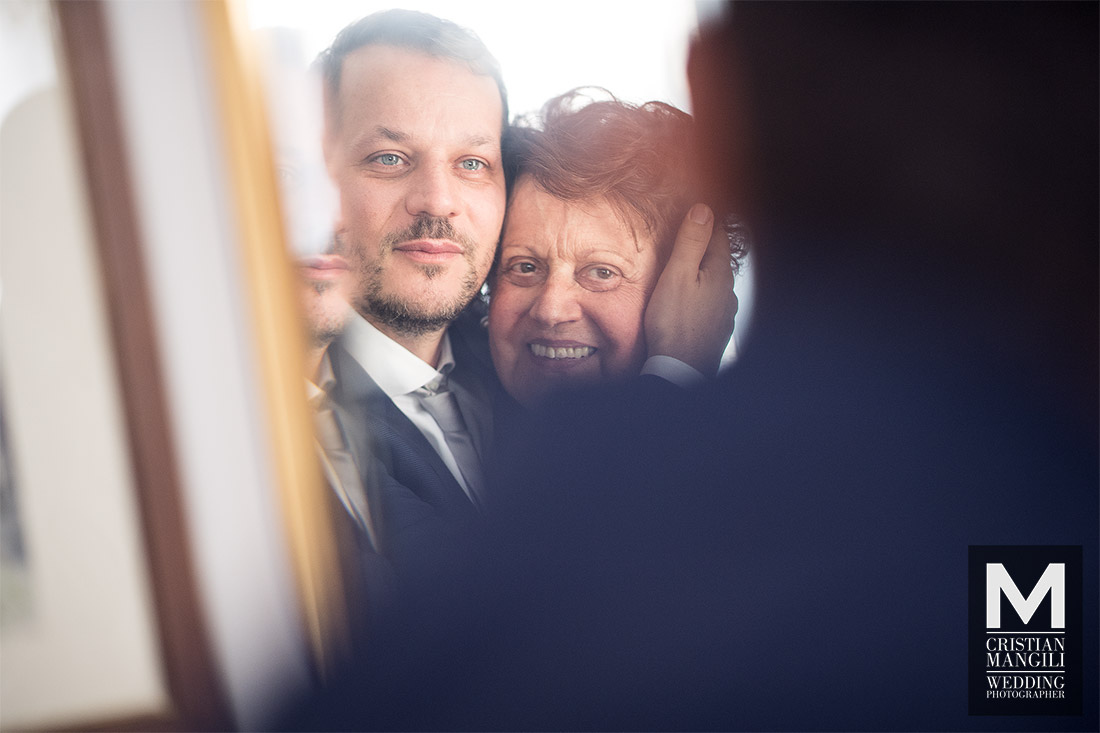 wedding-photography-groom-and-mother
