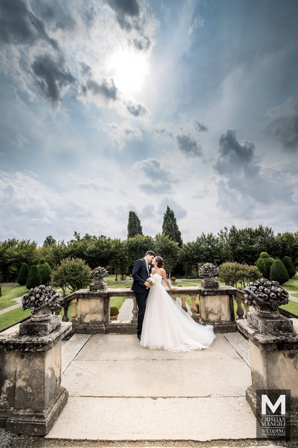 romantic-wedding-in-italy-luxury-villa-italian-wedding-photographer
