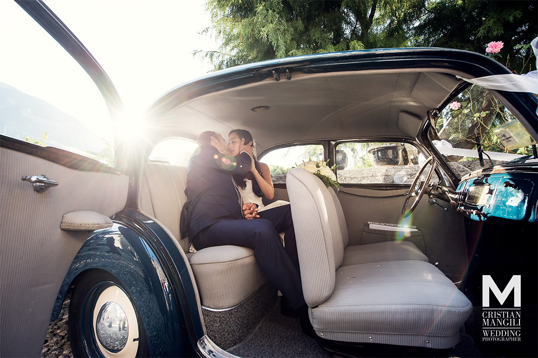 wedding-photographer-lake-como-italy-just-married-car