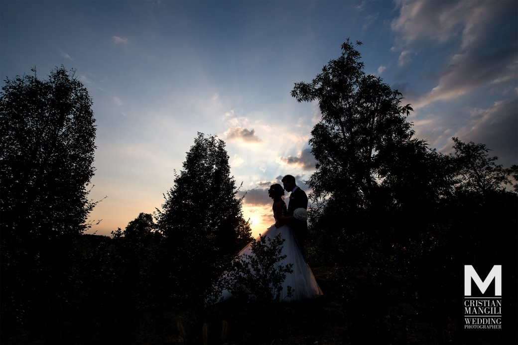 wedding-countryside-location-in-italy-sunset-photo