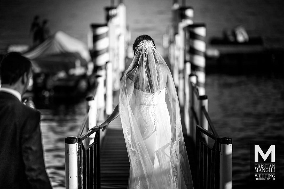 wedding-photographer-bride-lake-como-italy-sailing-italy