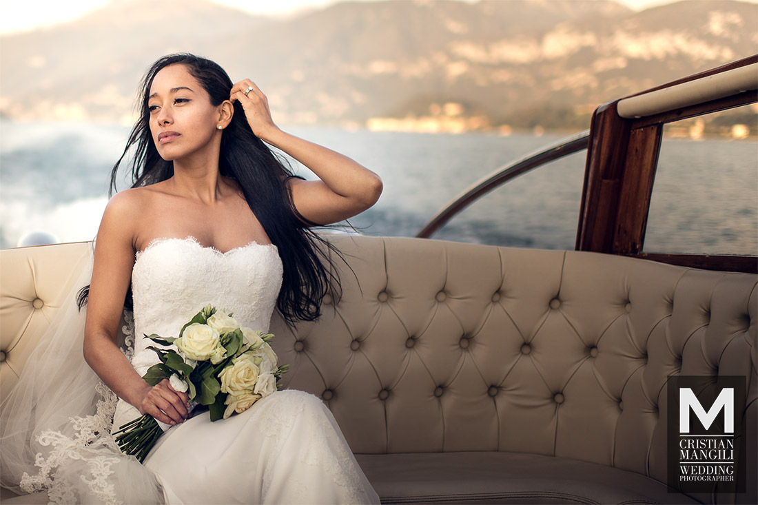 beautiful-bride-on-boat-lake-como-italy-wedding-photography