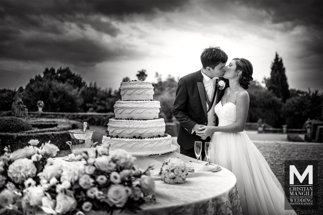 artistic-wedding-cake-photo-wedding-in-italy