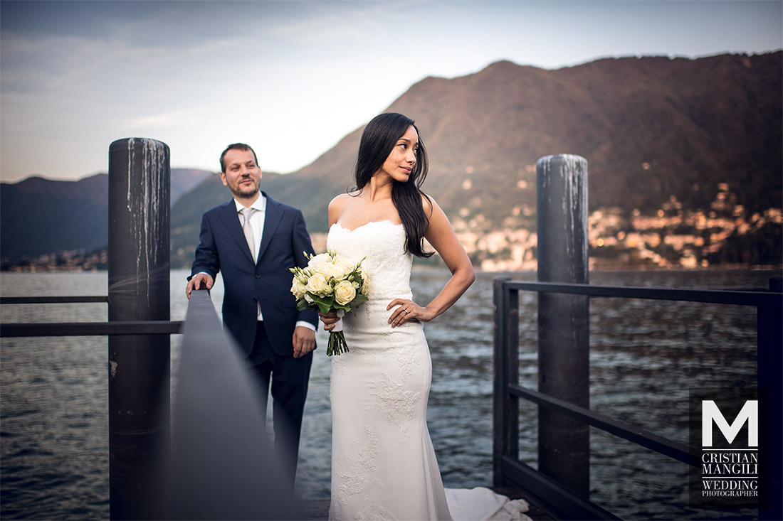wedding-photographer-lake-como-italy-bride-staring-on-the-pier
