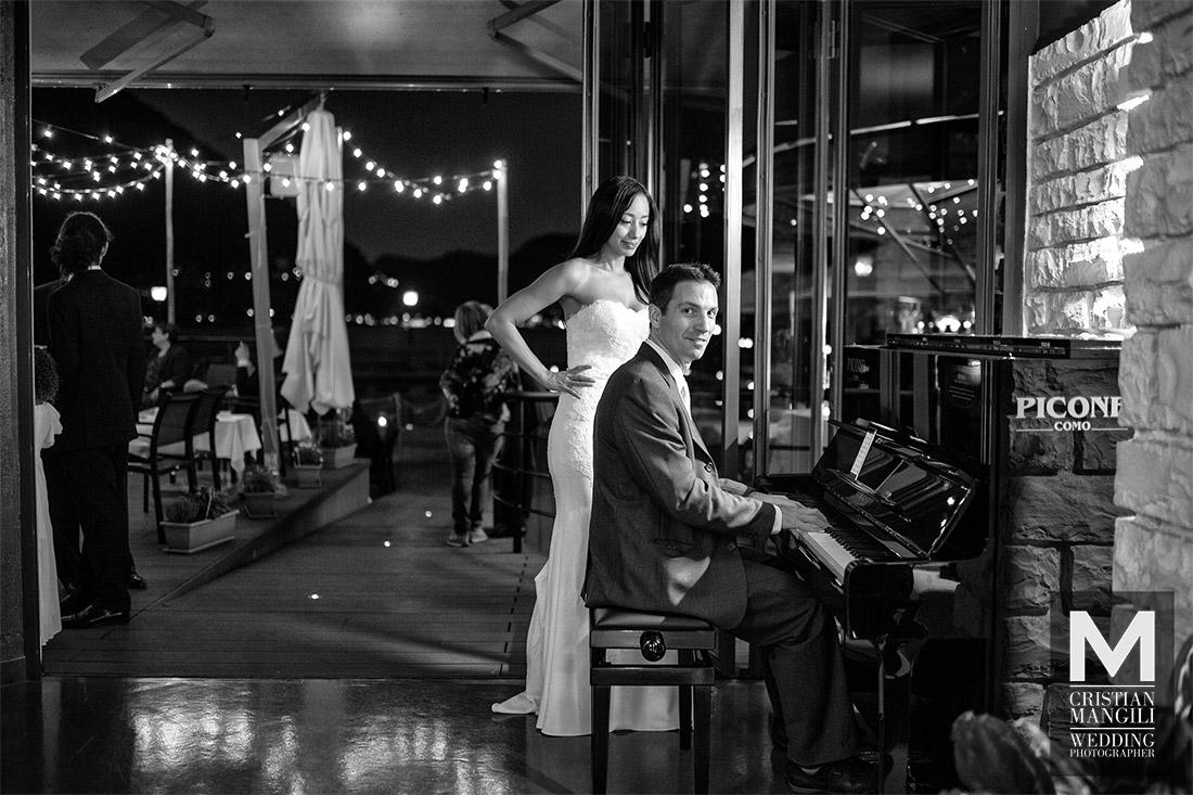 wedding-photographer-lake-como-pianist-and-bride