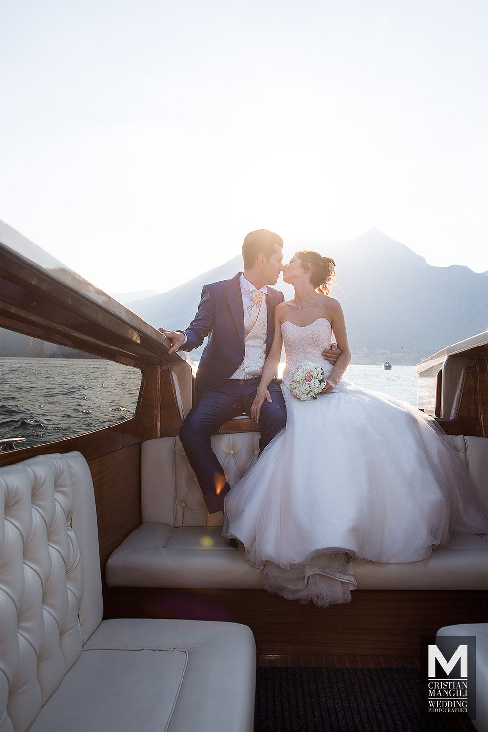 romantic-wedding-photo-como-lake