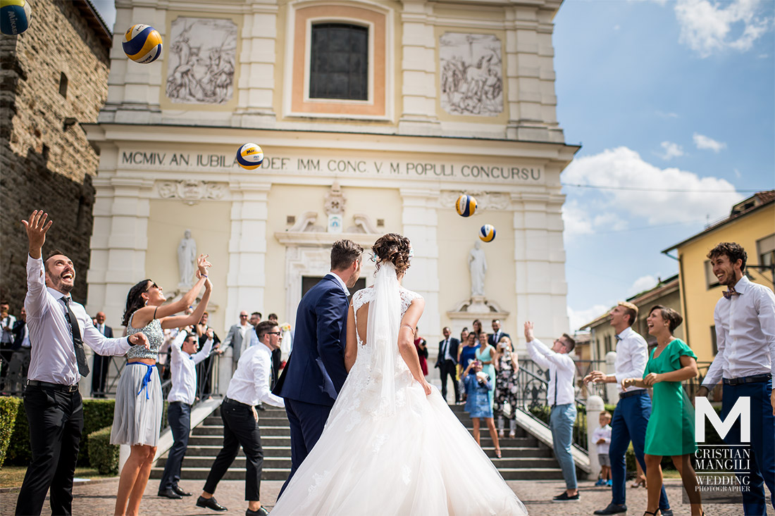 just-married-wedding-photography-volleyball-italy