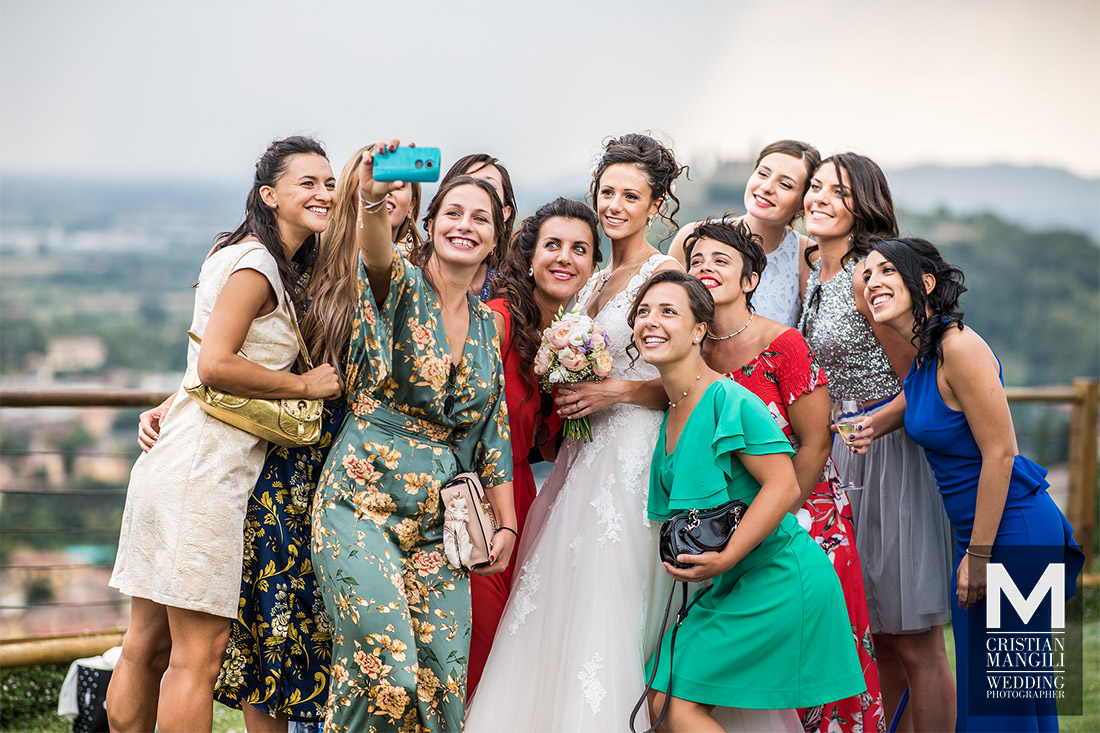 italian-wedding-selfie-professional-photographer