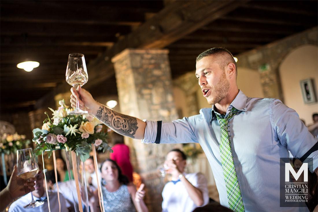italian-wedding-reportage-toast-wine-restaurant-franciacorta