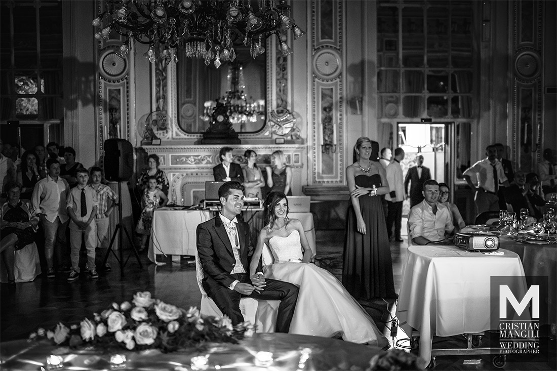 bride-and-groom-sitting-in-villa-serbelloni-italian-wedding-photographer