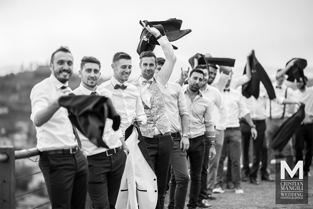 groom-friends-italian-wedding-photographer